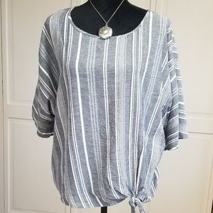 Time and Tru blue & white short sleeve blouse
